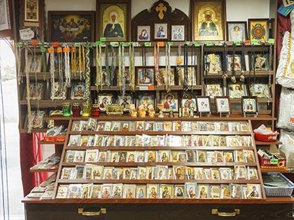 Огромный выбор икон и другой церковной утвари