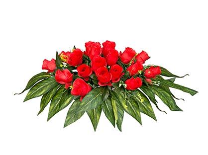Венок на гроб красные розы